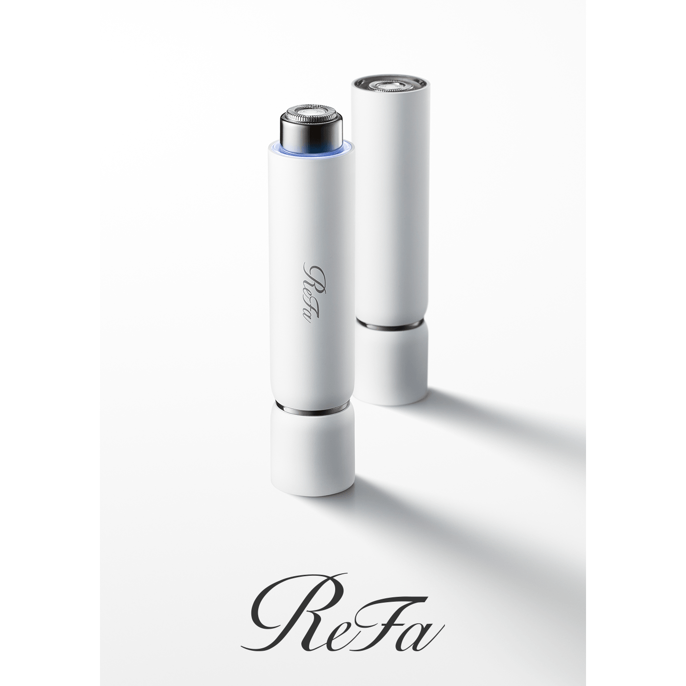Introducing the ReFa SKIM SHAVER: an innovative shaving device that gently removes peach fuzz without damaging the skin.