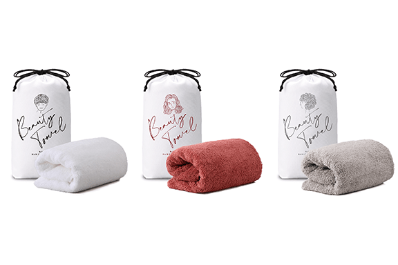 Introducing the ReFa HAIR DRY TOWEL: an ultra-absorbent towel that's extraordinarily gentle on your hair and skin.